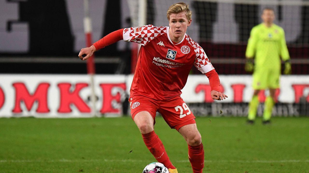 Jonathan Burkardt (1. FSV Mainz 05) - Bildquelle: imago images/Jan Huebner