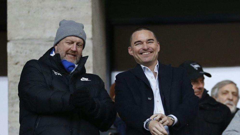 Windhorst (r.) sichert Hertha BSC weitere Zahlungen zu - Bildquelle: AFPSIDODD ANDERSEN