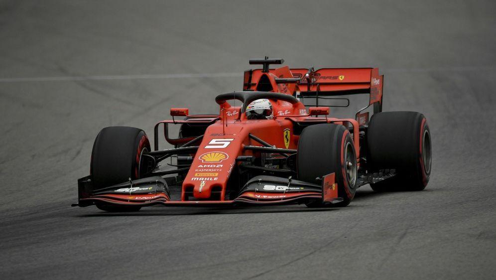 Leclerc drehte im freien Training die schnellste Runde - Bildquelle: AFPSIDDIMITAR DILKOFF