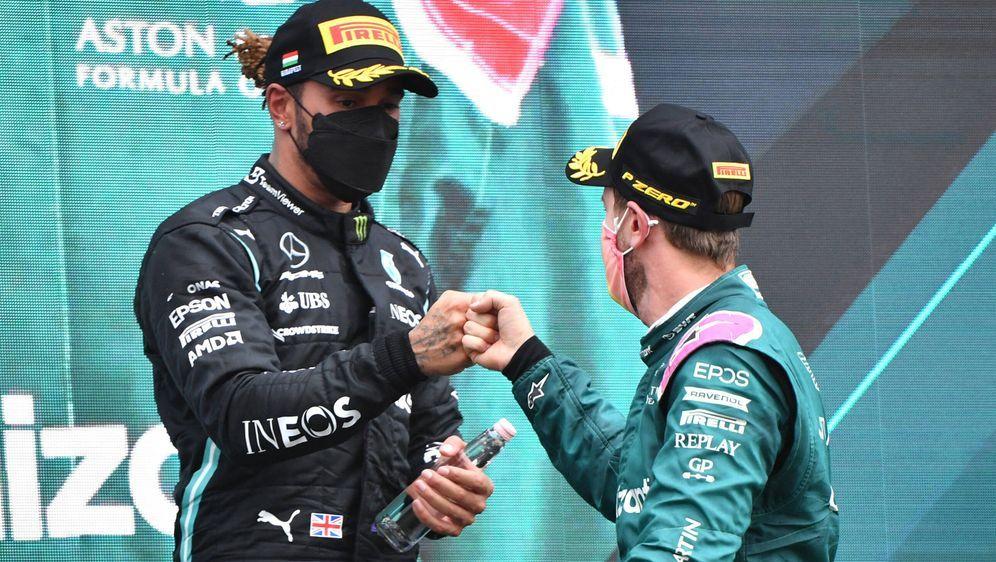 Lewis Hamilton und Sebastian Vettel. - Bildquelle: imago images/Motorsport Images