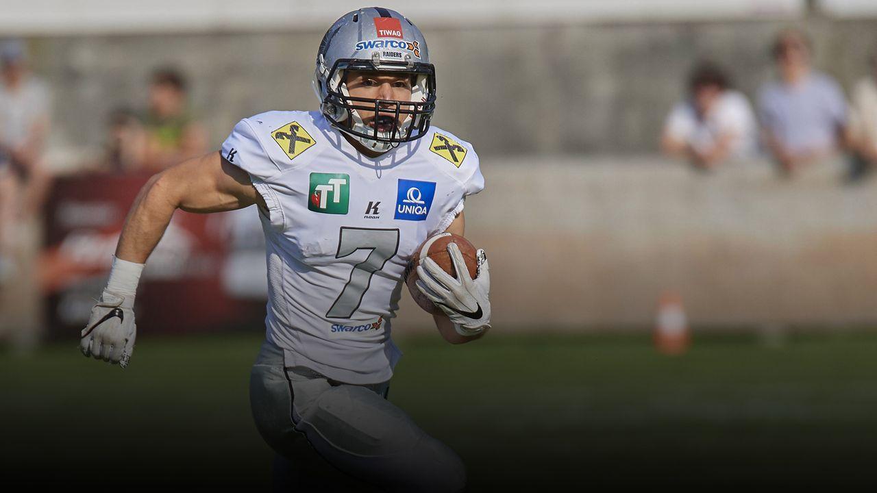 NFL: Sandro Platzgummer - der österreichische McCaffrey  - Bildquelle: imago images / Rolf Simeon