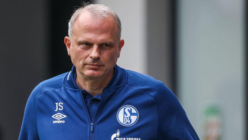 Auch Sportvorstand Jochen Schneider wurde bei Schalke 04 entlassen - Bildquelle: Imago Images