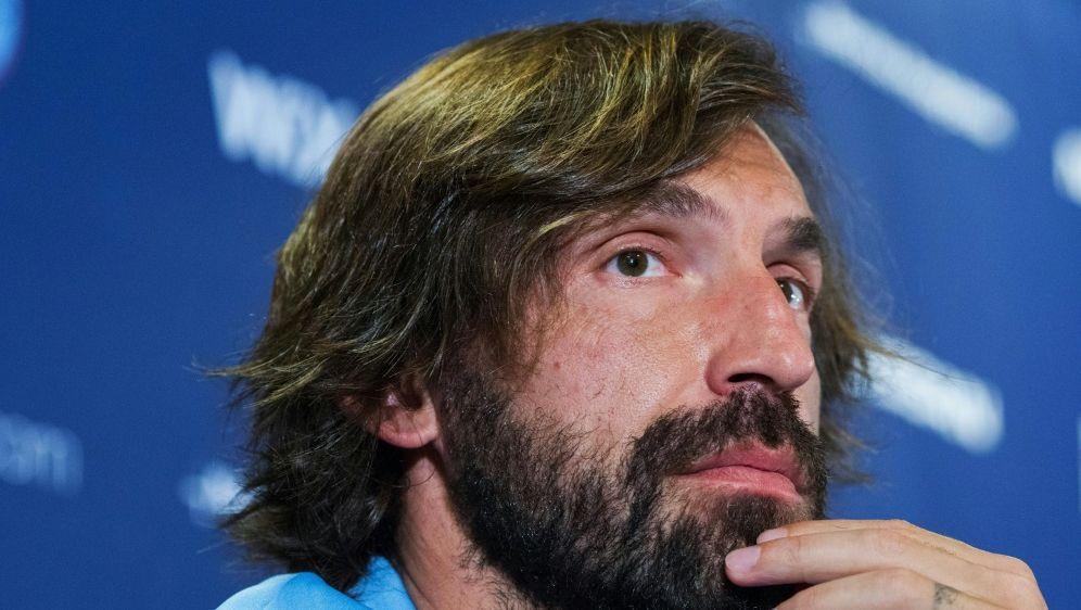 Andrea Pirlo hält Suarez-Wechsel für unrealistisch - Bildquelle: AFPSIDEDUARDO MUNOZ ALVAREZ