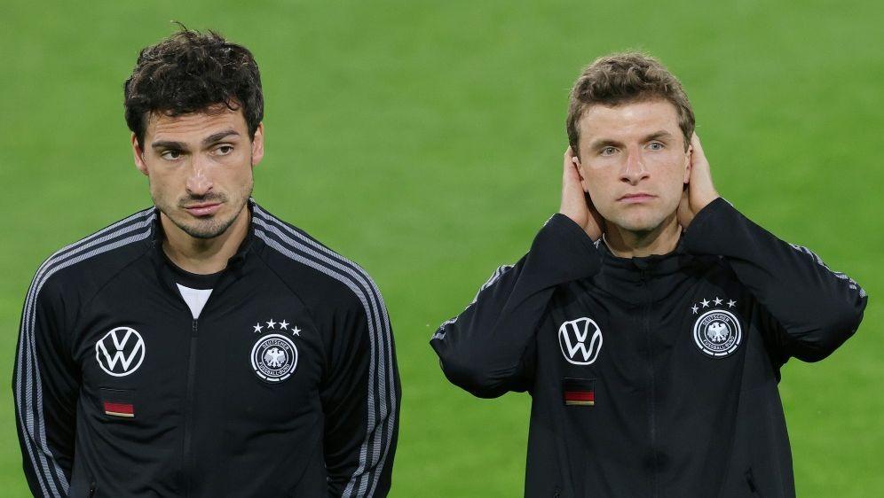 Fans begrüßen Rückkehr von Hummels und Müller - Bildquelle: FIROFIROSID