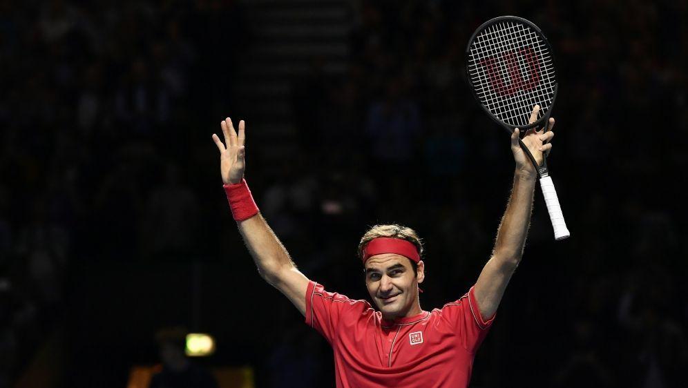 Roger Federer schlägt den Italiener Matteo Berrettini - Bildquelle: AFPSIDFABRICE COFFRINI