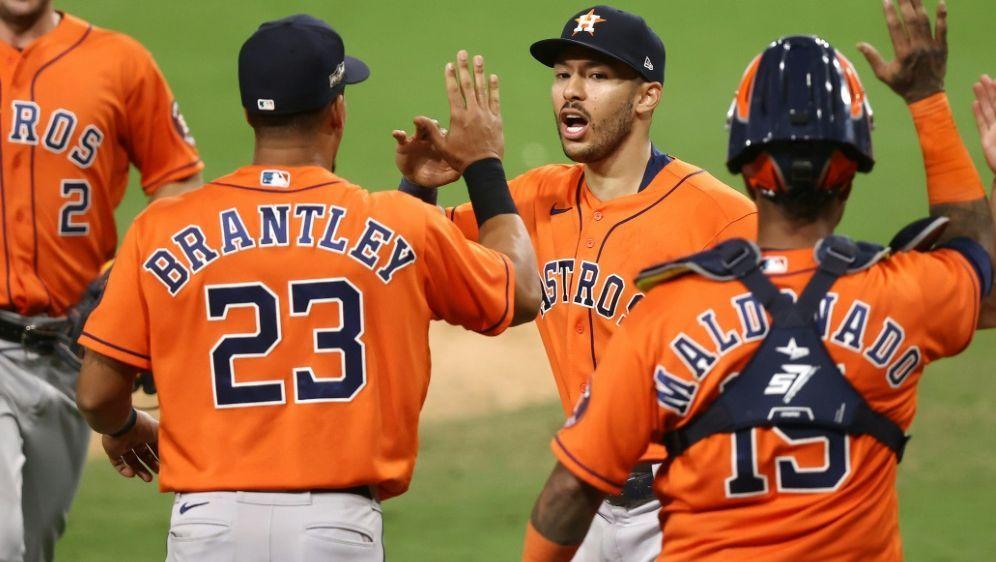 3:3 nach 0:3: Jubel bei den Houston Astros - Bildquelle: GETTY IMAGES NORTH AMERICAGETTY IMAGES NORTH AMERICASIDEZRA SHAW