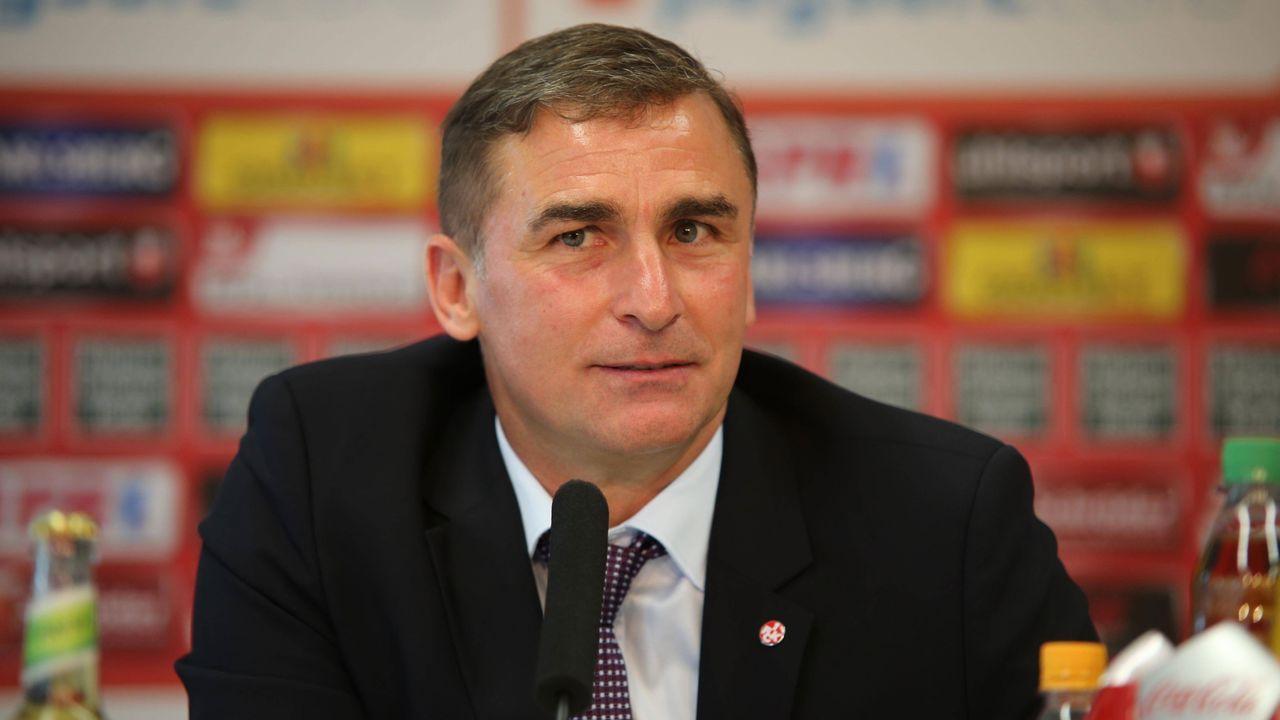 Vorstandsvorsitzender des 1. FC Kaiserslautern (2008 - 2016) - Bildquelle: imago/Eibner