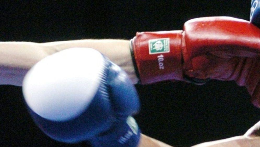 Der Amateurbox-Weltverband AIBA droht mit einer Klage - Bildquelle: AFPSIDJOE KLAMAR