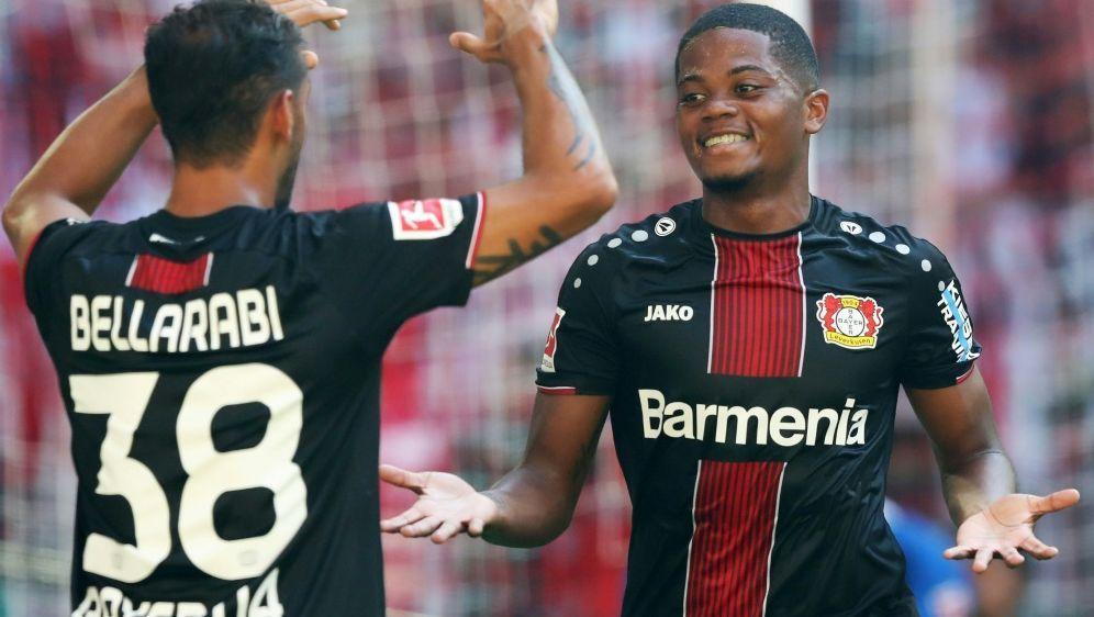 Bellarabi (l.) und Bailey feiern Leverkusens Sieg - Bildquelle: FIROFIROSID