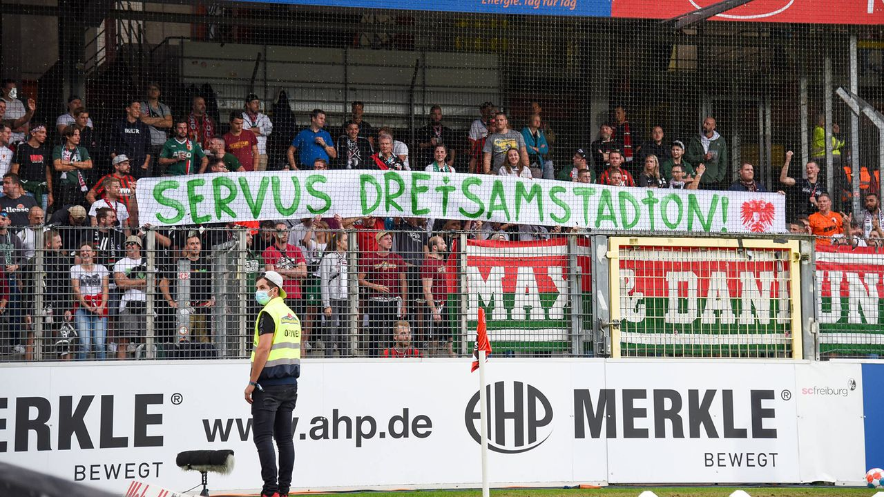 Die Gäste aus Augsburg sagen Servus - Bildquelle: imago images/Beautiful Sports