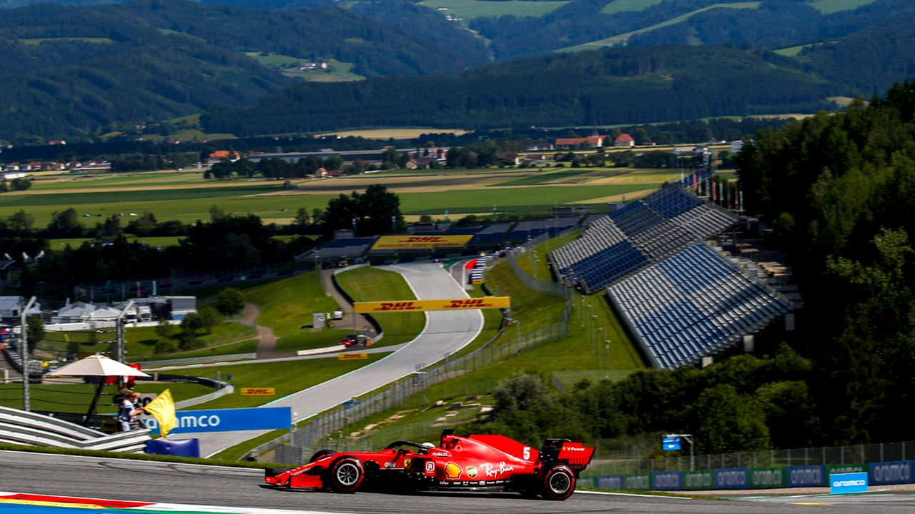 Ferrari ist fast eine Sekunde langsamer als im Vorjahr - Bildquelle: imago images/HochZwei