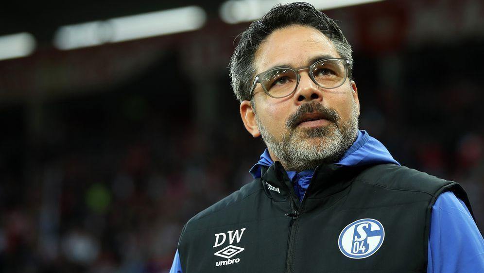 David Wagner wartet mit seinen Schalkern schon seit zwölf Bundesliga-Spielen... - Bildquelle: 2020 Getty Images