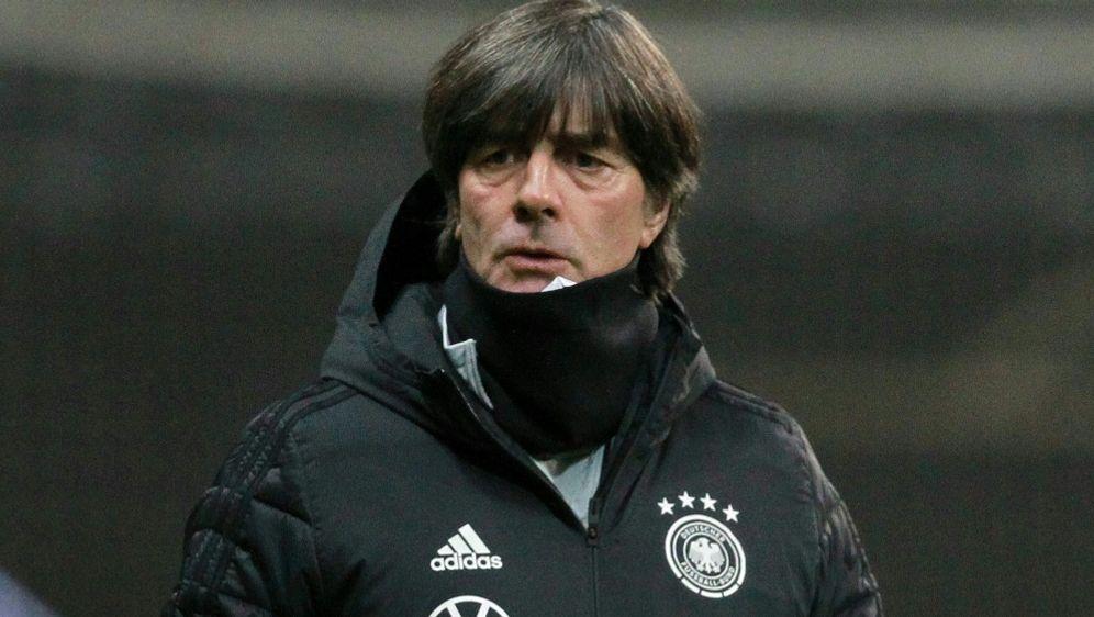 Joachim Löw wechselt zum Jahresabschluss kräftig durch - Bildquelle: AFPSIDDANIEL ROLAND