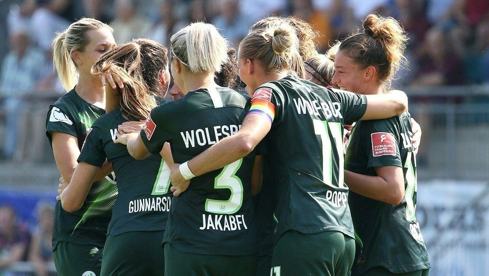 Die Wolfsburgerinnen siegen deutlich in Pristina - Bildquelle: FIROFIROSID