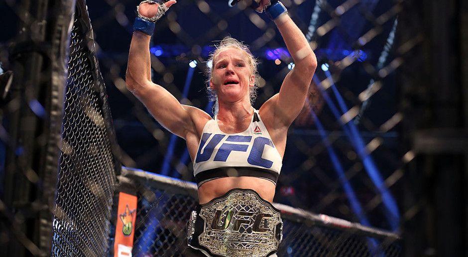 Holly Holm: Box-Queen, UFC-Championesse und Rousey-Bezwingerin - Bildquelle: Getty Images