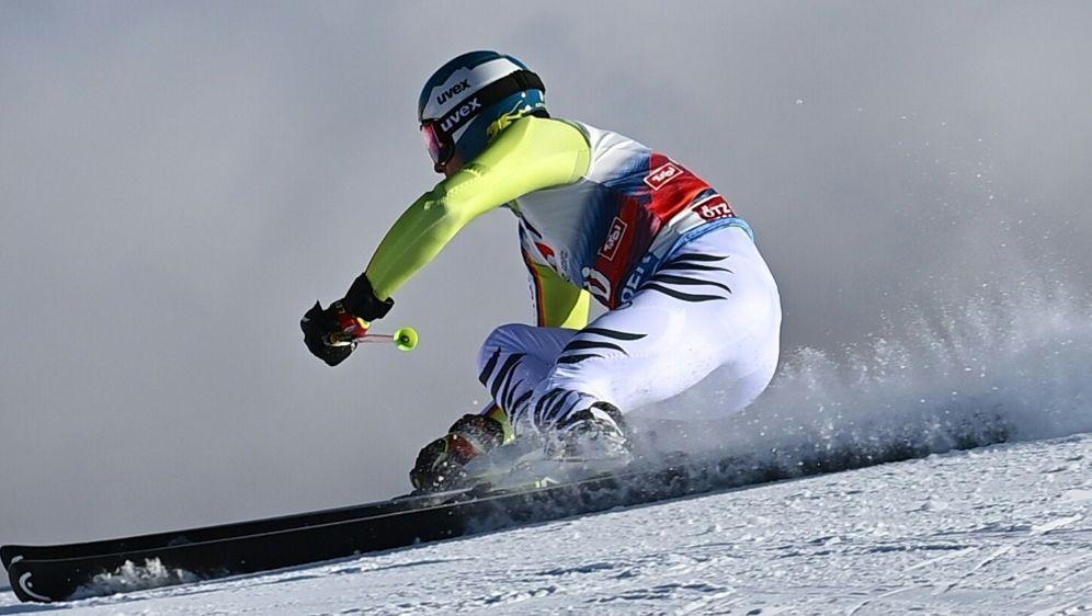 Auf Platz 13 nach dem ersten Lauf: Alexander Schmid - Bildquelle: AFPSIDJOE KLAMAR