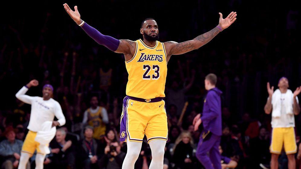 Finals-MVP LeBron James verlängert Vertrag um zwei Jahre - Bildquelle: Getty Images