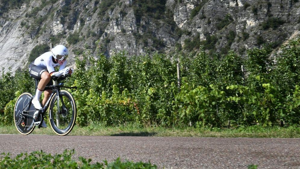 Einzelzeitfahren: Lisa Brennauer verpasst Medaille - Bildquelle: AFPSIDALBERTO PIZZOLI