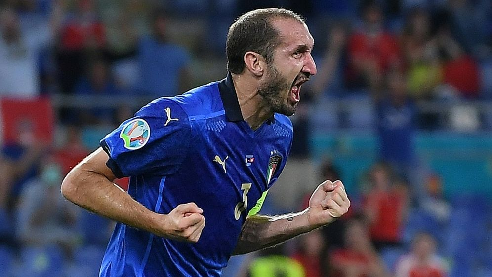 Italien bangt um Abwehrspieler Giorgio Chiellini - Bildquelle: AFPPOOLSIDEttore Ferrari