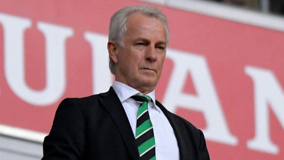 Rainer Bonhof kritisiert Schiedsrichter Manuel Gräfe - Bildquelle: PIXATHLONPIXATHLONSID