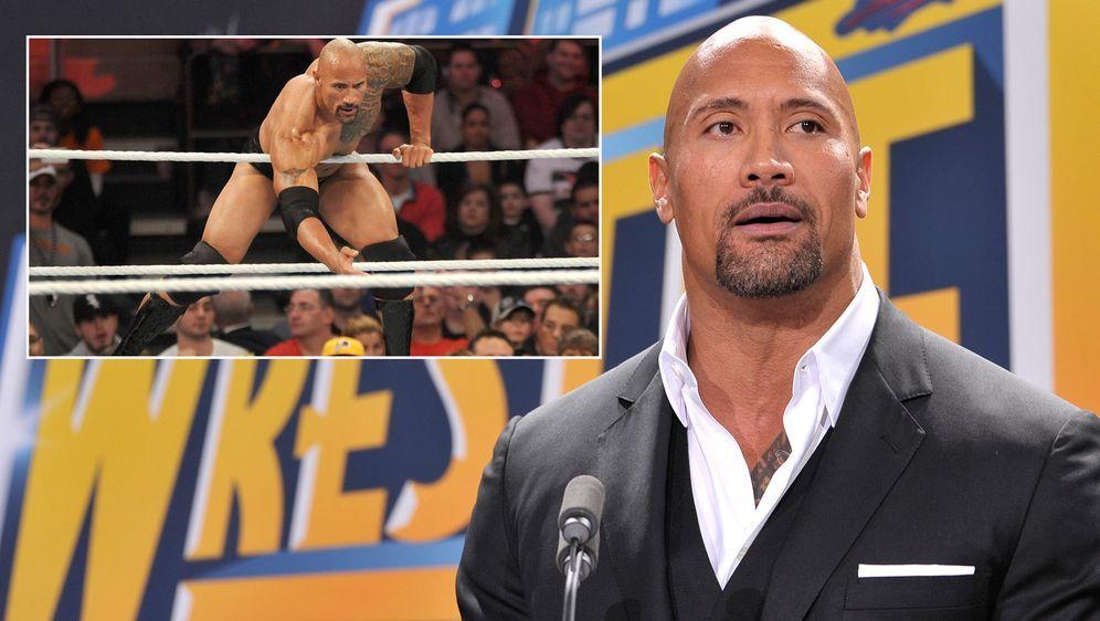"Dwayne ""The Rock"" Johnson gibt ein sensationelles Comeback im Wrestling-Ring... - Bildquelle: Getty Images/Imago"