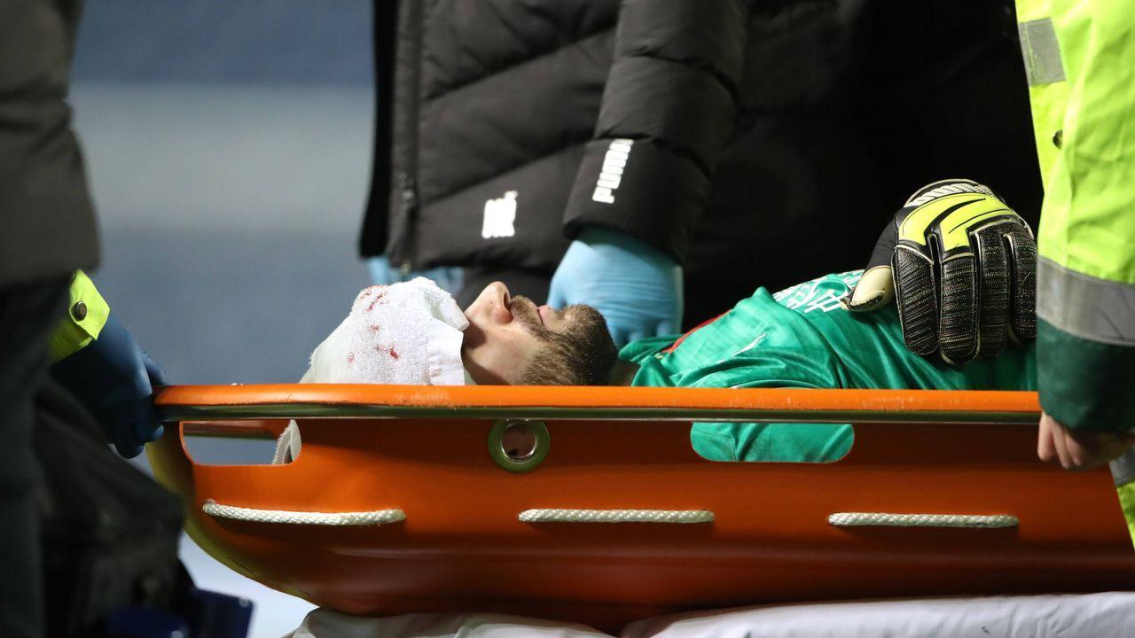 Europa League: Horror-Foul von Kemar Roofe in Bildern - Bildquelle: imago