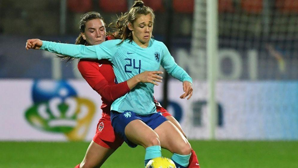 Joelle Smits (Nr. 24) unterschreibt beim VfL bis 2024 - Bildquelle: AFPSIDDENIS CHARLET