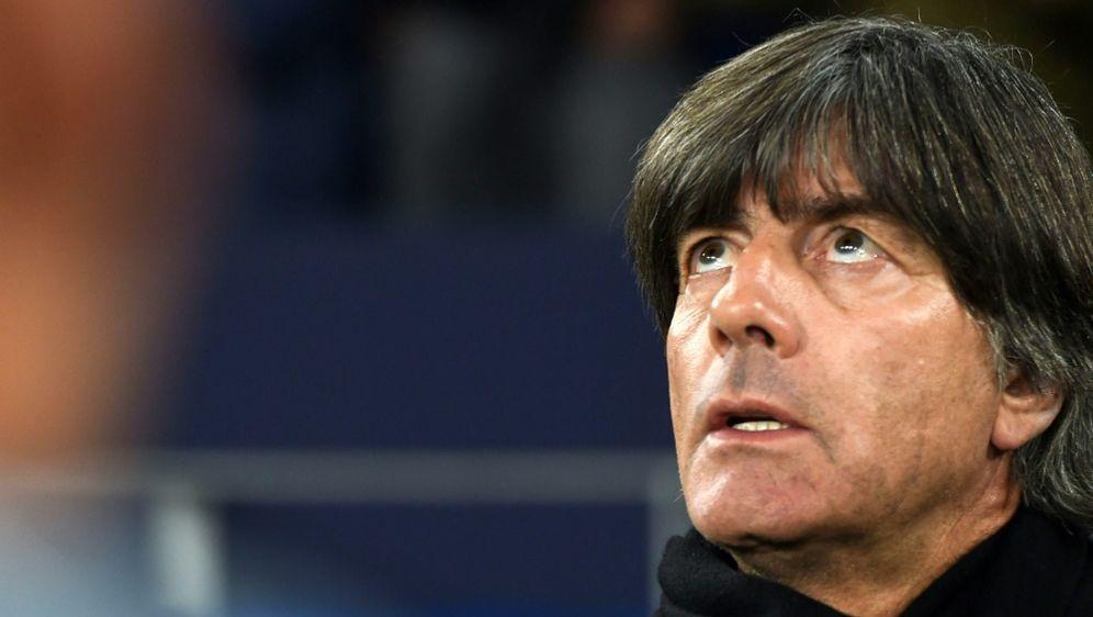 Joachim Löw wünscht sich starke Gegner - Bildquelle: AFPSIDPATRIK STOLLARZ