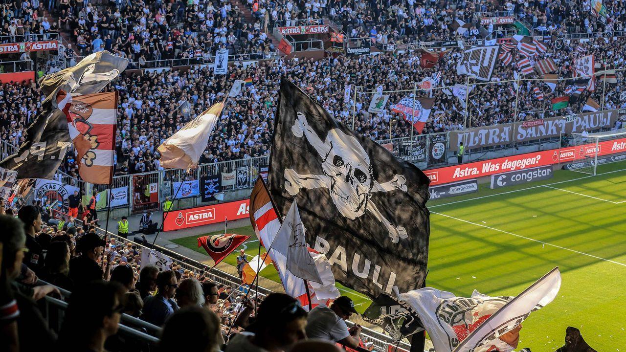 FC St. Pauli - Bildquelle: imago/Oliver Ruhnke
