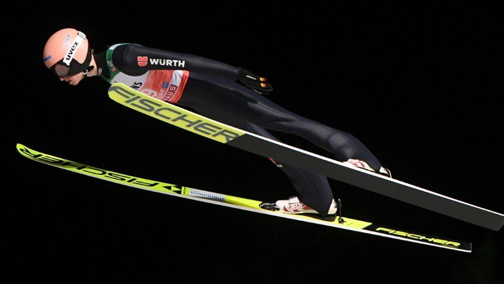 Quali: Karl Geiger springt mit 131,5 m auf Rang neun - Bildquelle: AFPSIDCHRISTOF STACHE