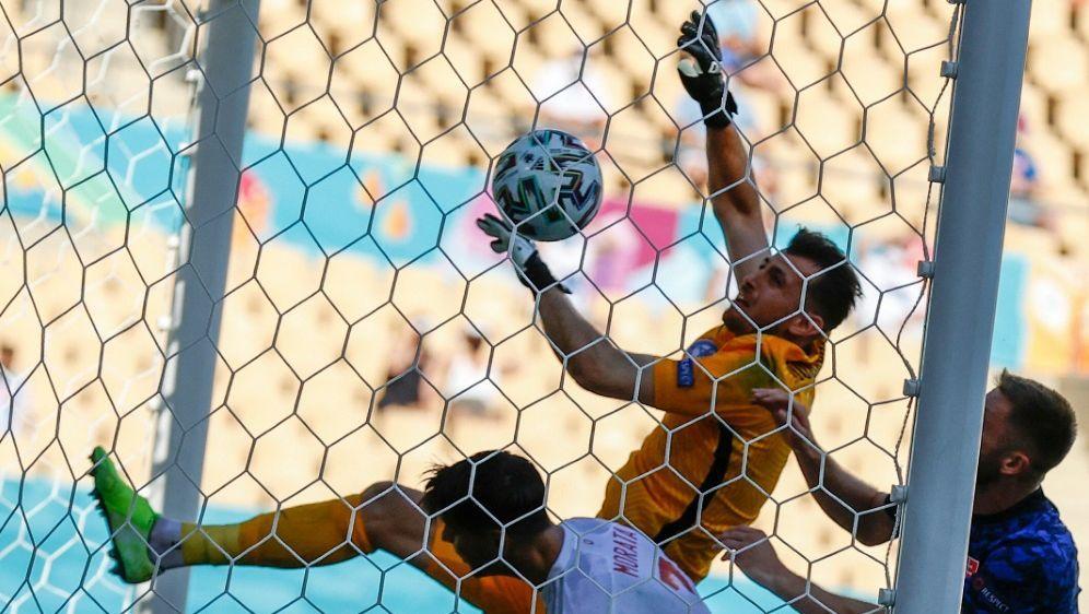 Dubravka leistete sich gegen Spanien einen Fauxpas - Bildquelle: AFPPOOLSIDMARCELO DEL POZO