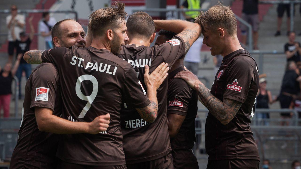 Platz 1: FC St. Pauli - Bildquelle: imago images/NurPhoto