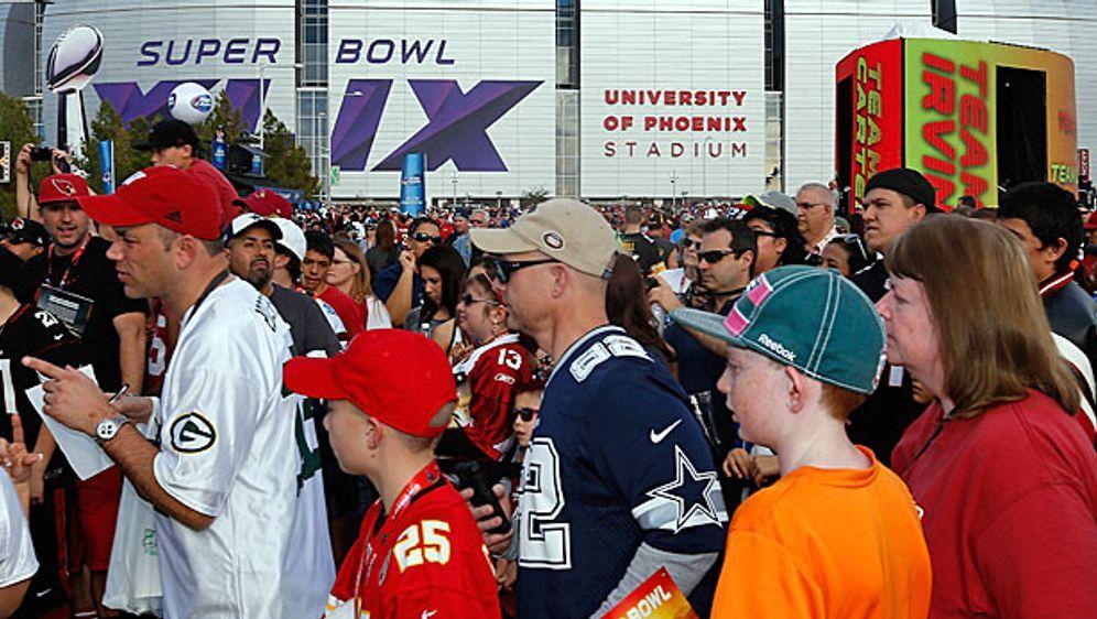 Im University of Phoenix Stadium findet der Super Bowl XLIX statt - Bildquelle: getty