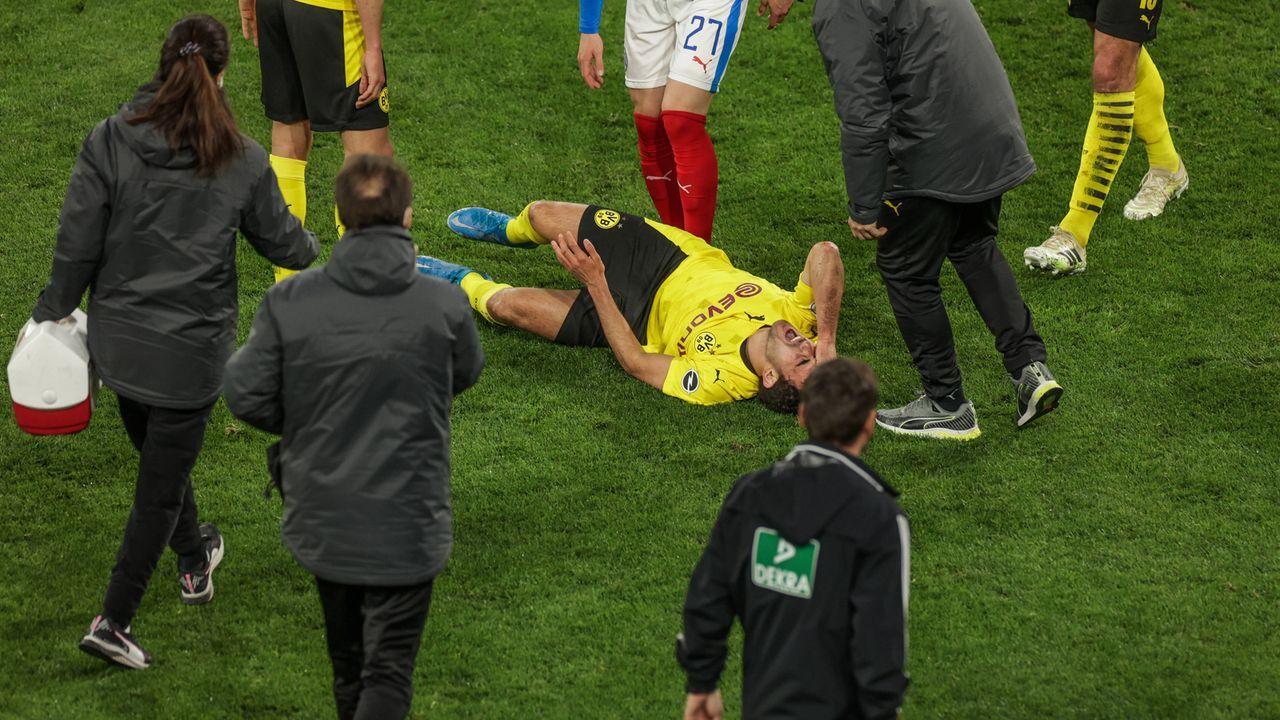 Mateu Moreys Verletzung schockt Borussia Dortmund - Bildquelle: Copyright RHR-FOTO