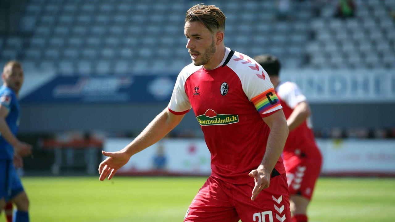 Platz 11: SC Freiburg (drei Spieler) - Bildquelle: imago images