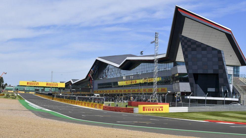 Silverstone könnte zum Notnagel für die Formel E werden. - Bildquelle: Motorsport Images