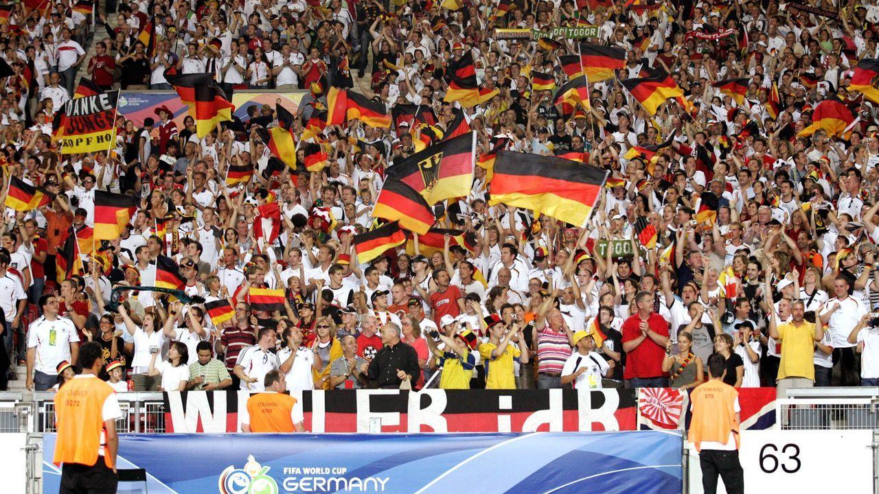 Die deutschen Fans pushen die Mannschaft - Bildquelle: Imago