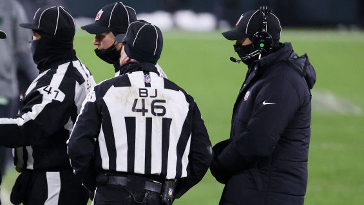 Verlierer: Referees im NFC Championship Game - Bildquelle: 2021 Getty Images
