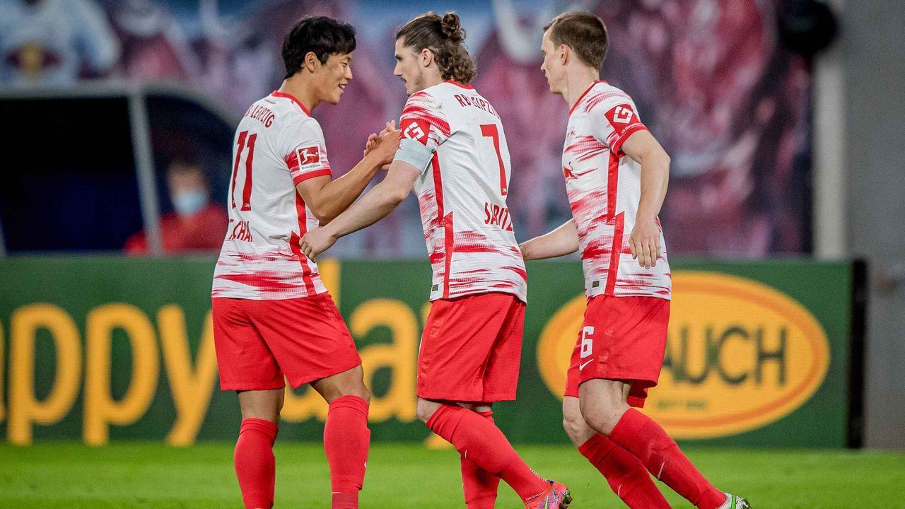 Platz 3: RB Leipzig (19,38 Millionen Euro) - Bildquelle: imago images/motivio