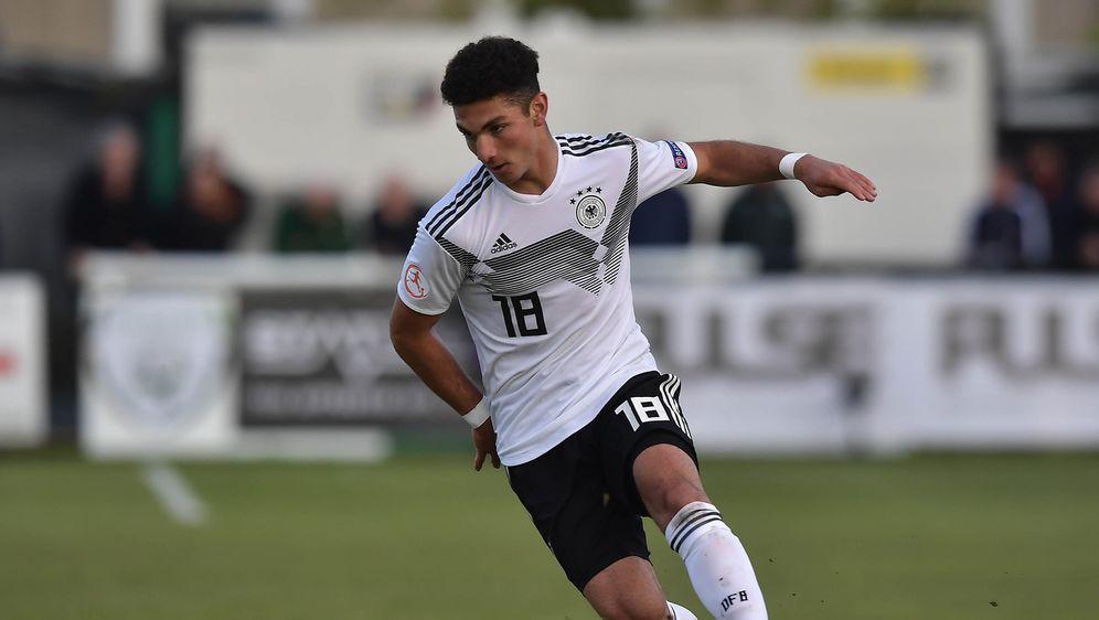 Nach drei Spielen für die U16 der Türkei entschied sich der Schalker Kerim C... - Bildquelle: Getty Images
