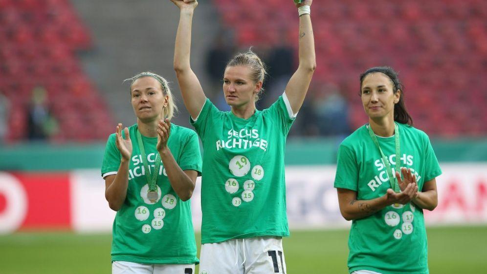 Auch im vergangenen Jahr holte Wolfsburg den Titel - Bildquelle: FIROFIROSID