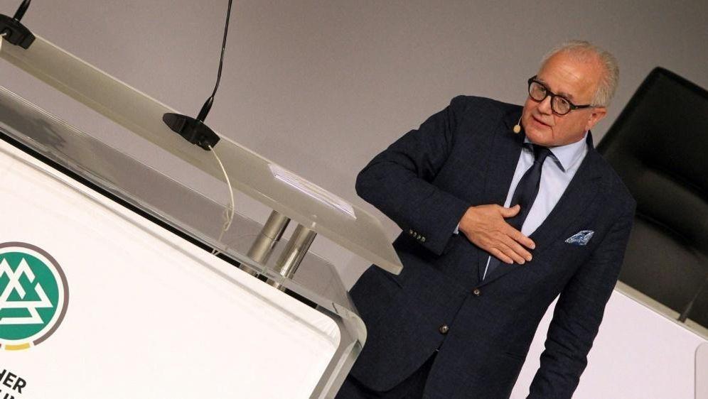 DFB-Chef Keller macht sich für Frauen-Fußball stark - Bildquelle: AFPSIDDANIEL ROLAND