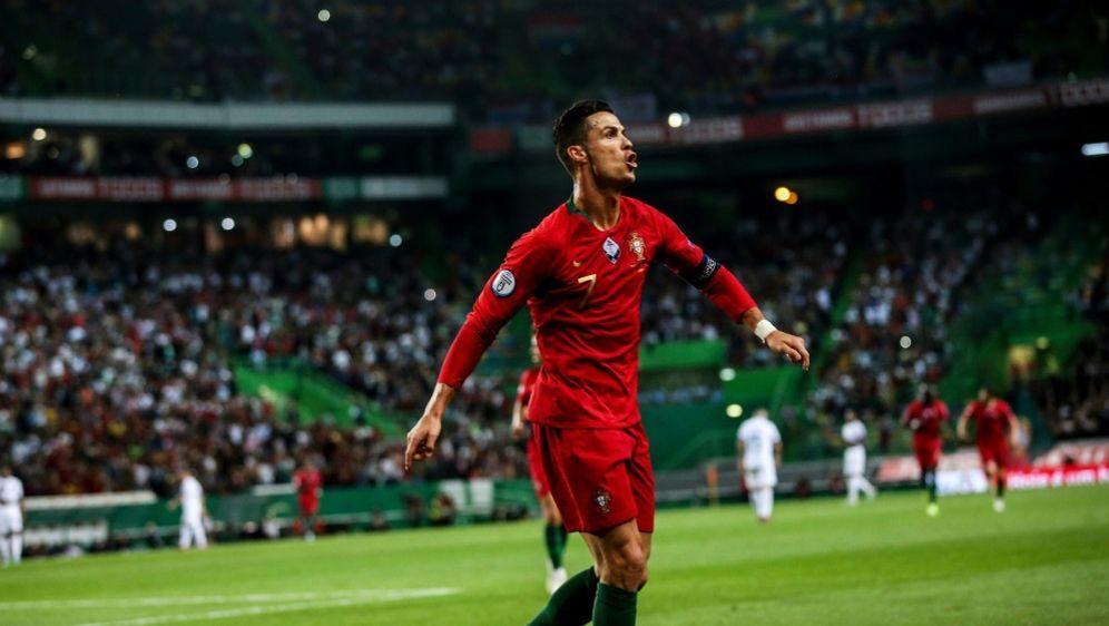 Portugal und Cristiano Ronaldo auf EM-Kurs - Bildquelle: AFPSIDCARLOS COSTA