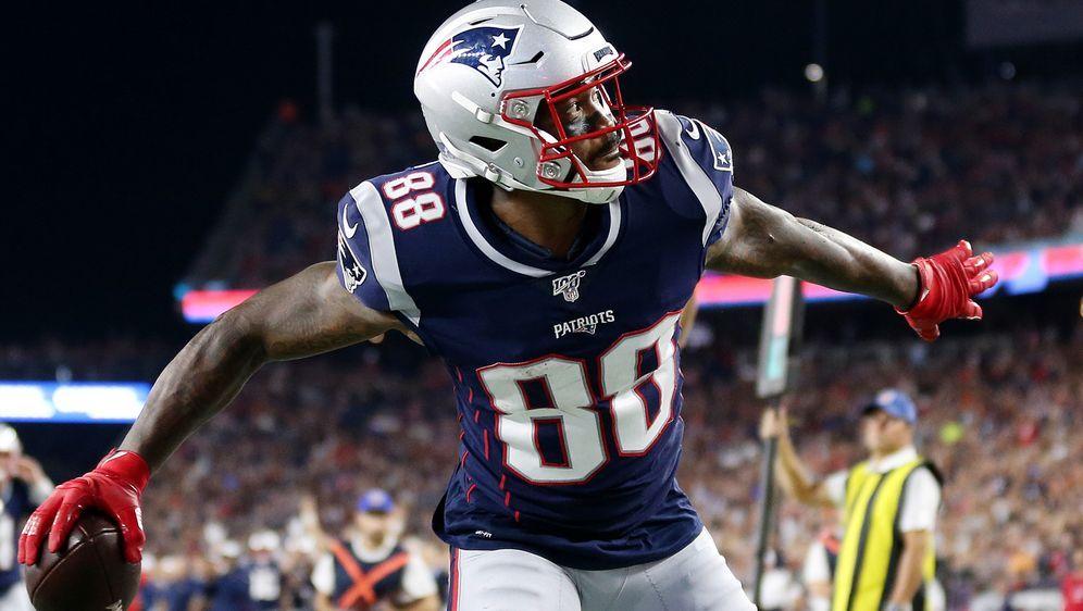 Demaryius Thomas macht nach wenigen Tagen bei den Patriots schon wieder den ... - Bildquelle: 2019 Getty Images
