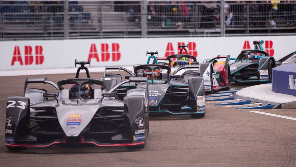 Die Formel E möchte möglicherweise mit einer eigenen Rennserie den Nachwuchs... - Bildquelle: imago images / Jan Huebner