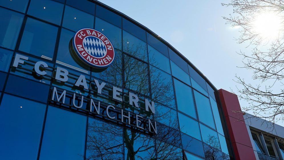 Bayern München: Jugendtrainer für 18 Monate gesperrt - Bildquelle: FIROFIROSID