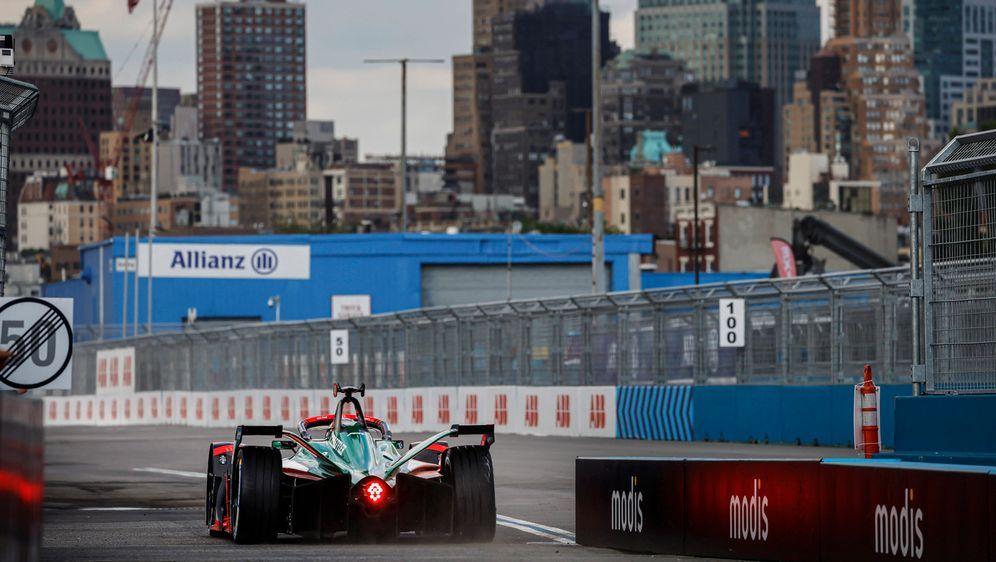 Die Formel E fährt in New York.