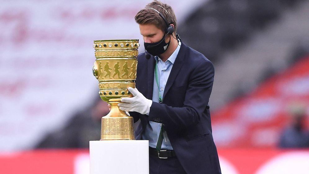 Der DFB-Pokal bietet vier Teams die Chance auf einen Eintrag in die Geschich... - Bildquelle: Marvin Ibo GŸngšr/GES