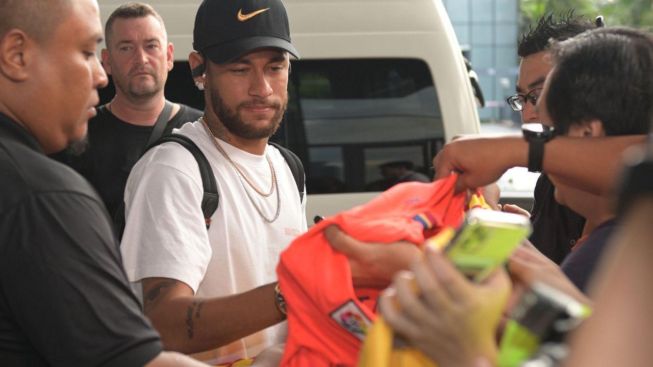 Mann bricht bei Neymar ein - um mit ihm über Gott zu reden - Bildquelle: imago