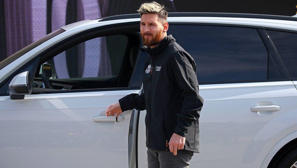 Lionel Messi und seine Barca-Kollegen müssen ihre Dienstautos von Audi zurüc... - Bildquelle: imago/ZUMA Press